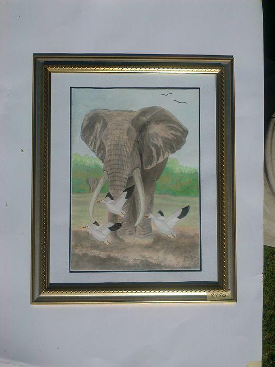 Storming elephant - CreativeMinds69