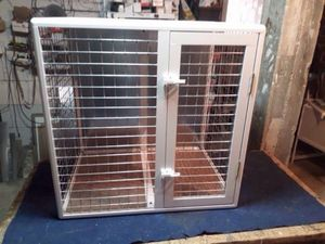 Aluminum cage for  dogs. Color-white