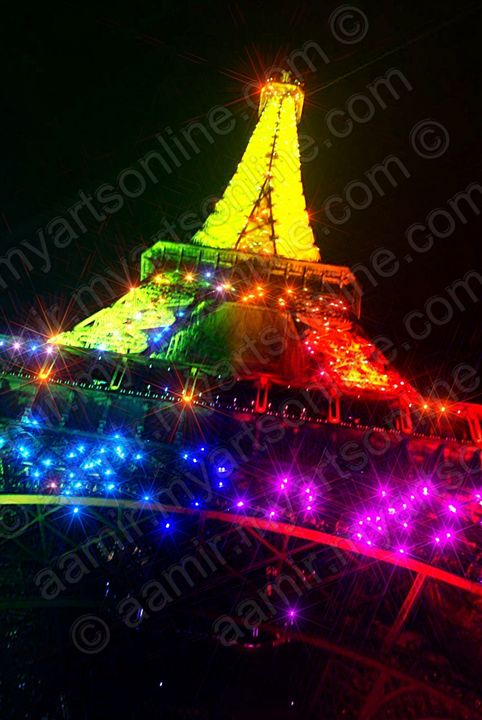 Night Rainbow Eiffel Tower. Paris - Aamir Show