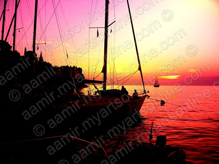 Sunset. Ships at Rovjni. Croatia - Aamir Show
