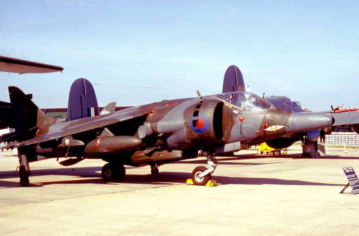 RAF Hawker Siddeley Harrier - MILITARY PHOTO PRINTS  UK