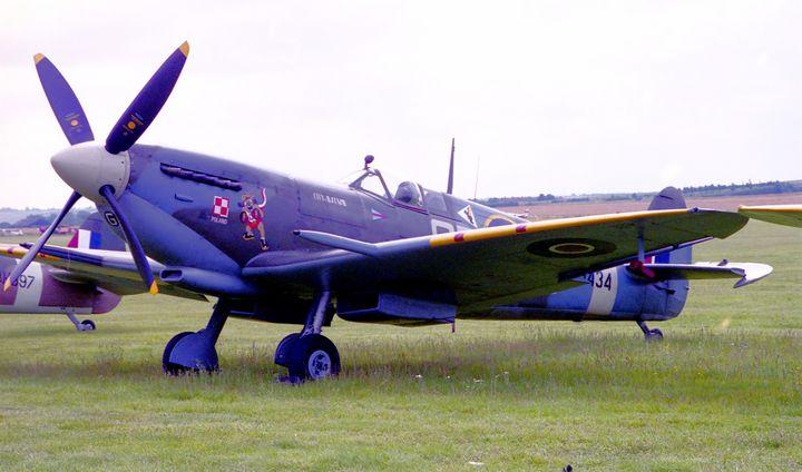 Supermarine Spitfire - MILITARY PHOTO PRINTS  UK