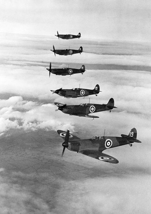 Supermarine Spitfire,19 Squadron - MILITARY PHOTO PRINTS  UK