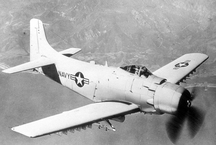 2075 AD-6 SKYRAIDER USN ATTACK - MILITARY PHOTO PRINTS  UK