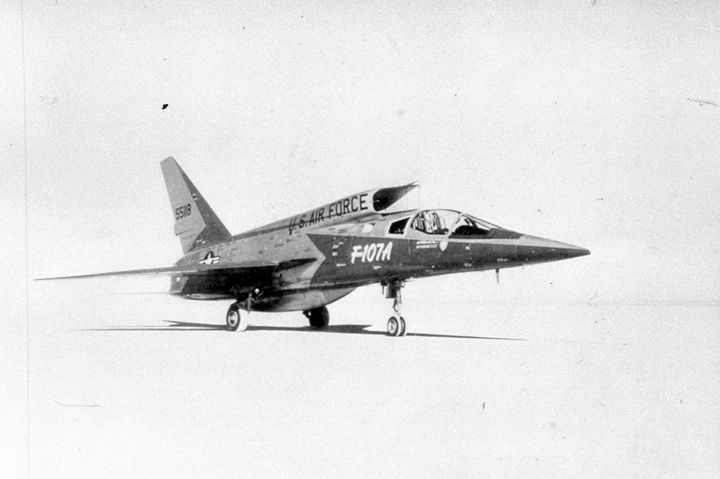 2127 F.107A USAF FIGHTER - MILITARY PHOTO PRINTS  UK