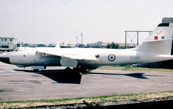 Vickers Valiant BK1 - MILITARY PHOTO PRINTS  UK