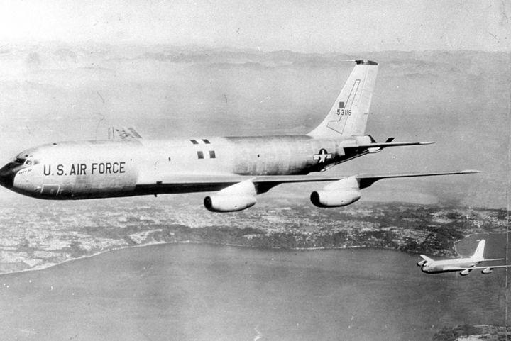 2143 KC-135 STRATOTANKER USAF TANKER - MILITARY PHOTO PRINTS  UK