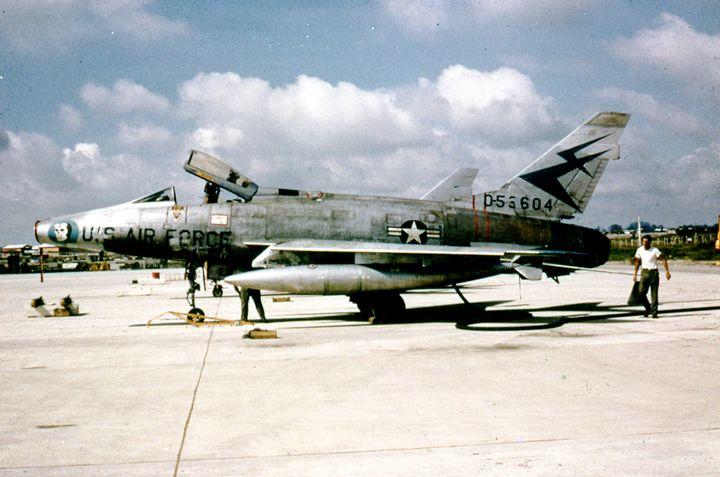 North American F-100 Super Sabre - MILITARY PHOTO PRINTS  UK