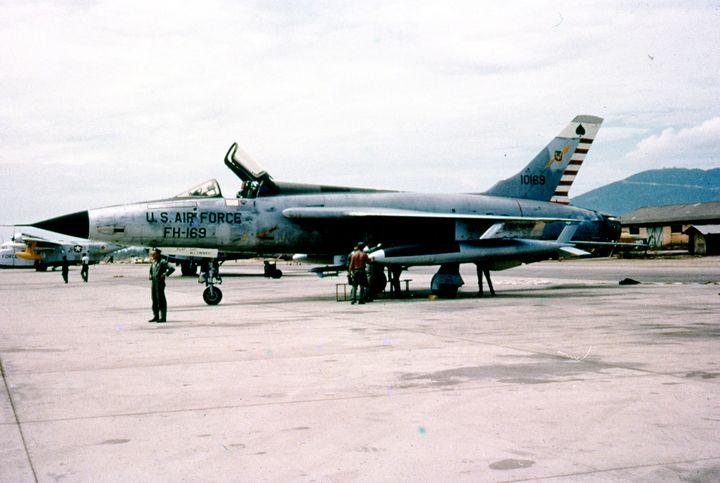 Republic F-105 Thunderchief - MILITARY PHOTO PRINTS  UK