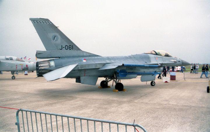 F-16AM Fighting Falcon 1998 - MILITARY PHOTO PRINTS  UK