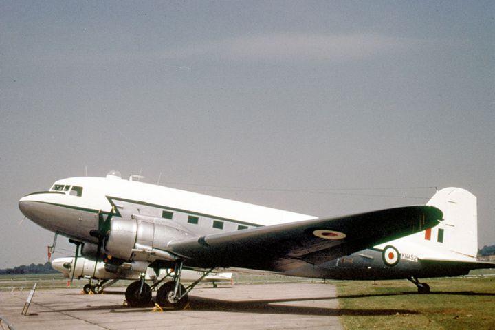 Douglas Dakota Mk.IV - MILITARY PHOTO PRINTS  UK