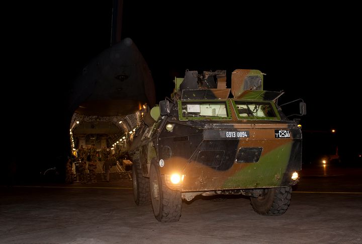 Armoured; Personnel Carrier; APC; - MILITARY PHOTO PRINTS  UK