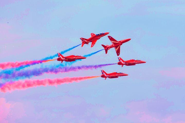 "THE RED ARROWS ""BREAK"" - MILITARY PHOTO PRINTS  UK"