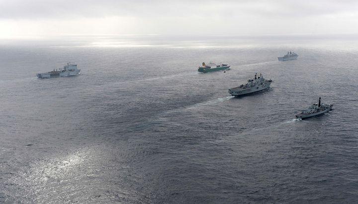 HMS Montrose HMS Illustrious - MILITARY PHOTO PRINTS  UK