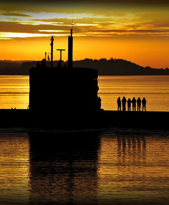 HMS Triumph - MILITARY PHOTO PRINTS  UK
