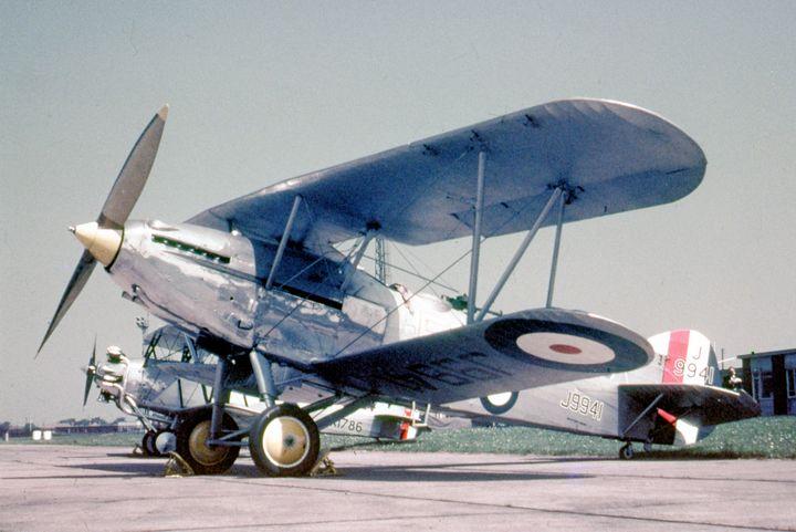 Hawker Hart Trainer II - MILITARY PHOTO PRINTS  UK