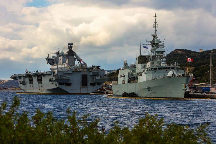HMCS Charlottetown - MILITARY PHOTO PRINTS  UK