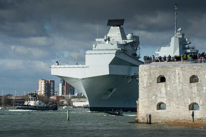 HMS Queen Elizabeth,R08 - MILITARY PHOTO PRINTS  UK