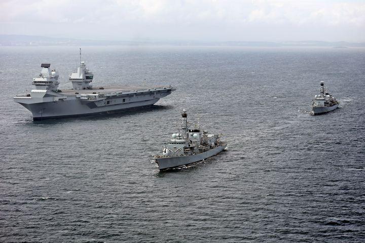 HMS Queen Elizabeth,R08 - MILITARY PHOTO PRINTS  UK