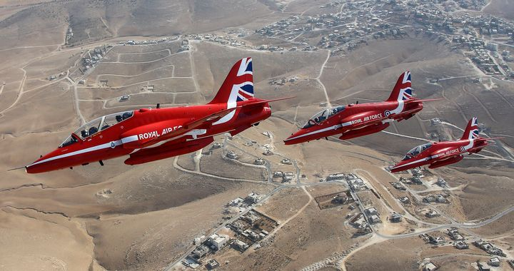 Red Arrows - MILITARY PHOTO PRINTS  UK