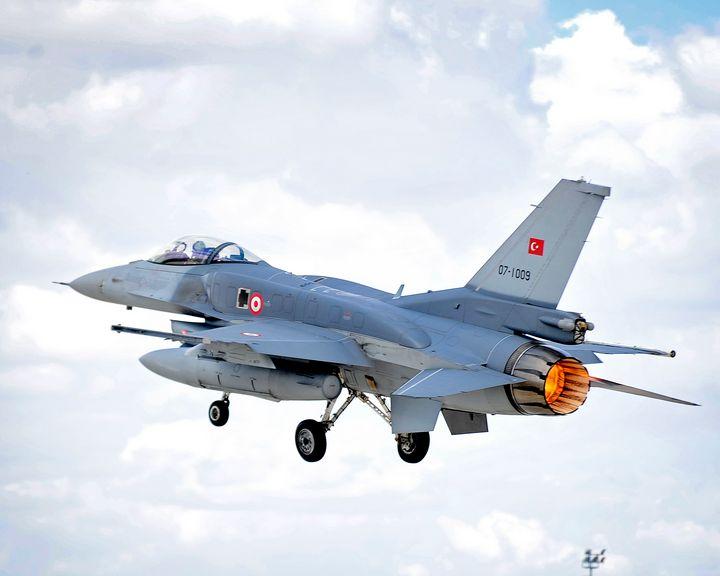 ,F-16,Fighting Falcon - MILITARY PHOTO PRINTS  UK