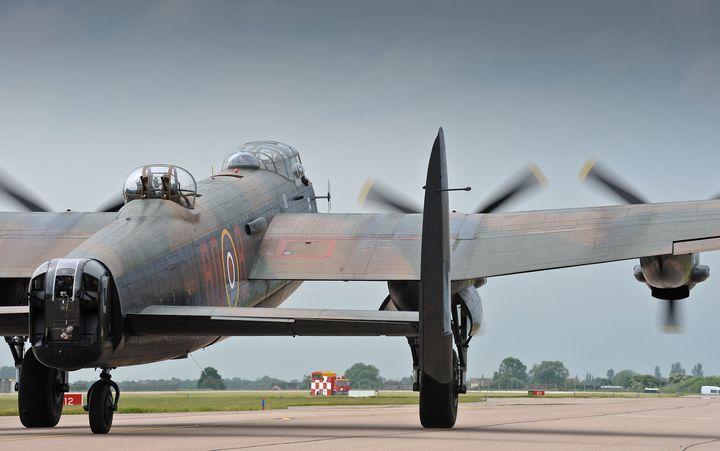 Lancaster,Bomber - MILITARY PHOTO PRINTS  UK