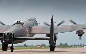 Lancaster,Bomber