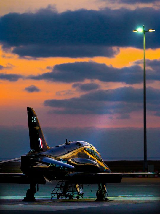 RAF Hawk - MILITARY PHOTO PRINTS  UK
