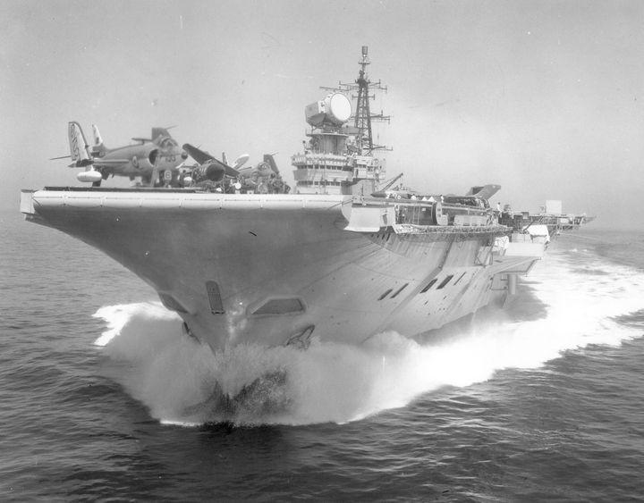 HMS HERMES - MILITARY PHOTO PRINTS  UK