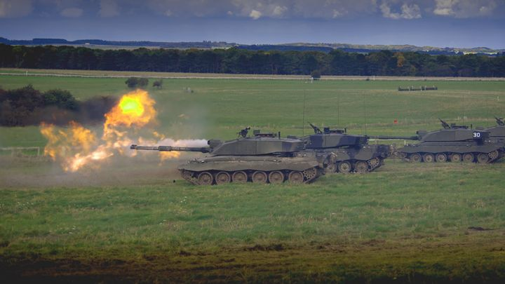 Firing,Action,Challenger 2 - MILITARY PHOTO PRINTS  UK