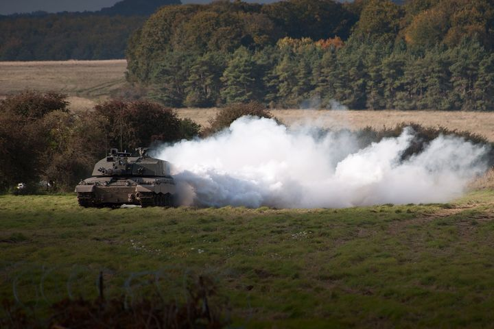 Challenger 2 Main Battle Tank - MILITARY PHOTO PRINTS  UK