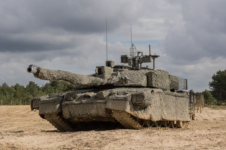 Challenger 2 - MILITARY PHOTO PRINTS  UK