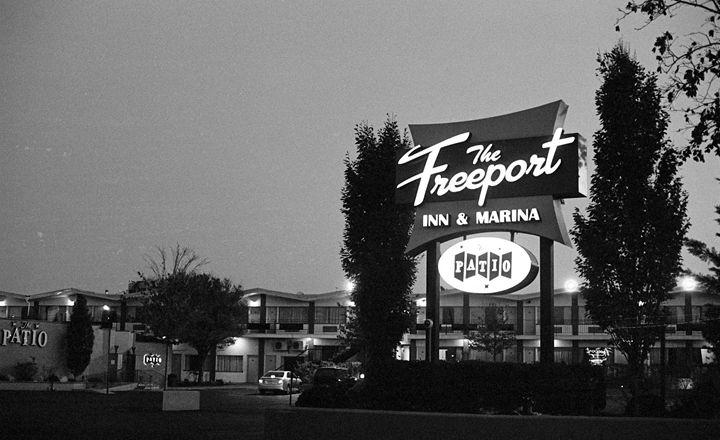 The Freeport Inn - Raquel Loeza Photography