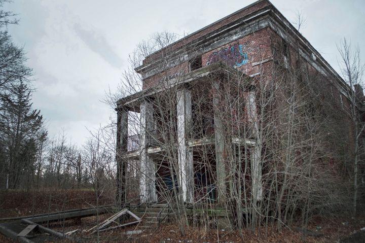 Abandoned - Raquel Loeza Photography