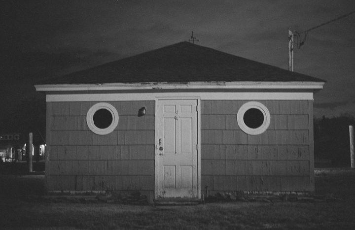 Amityville Home - Raquel Loeza Photography